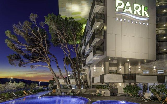 Отель Park Черногория, Каменари - отзывы, цены и фото номеров - забронировать отель Park онлайн вид на фасад