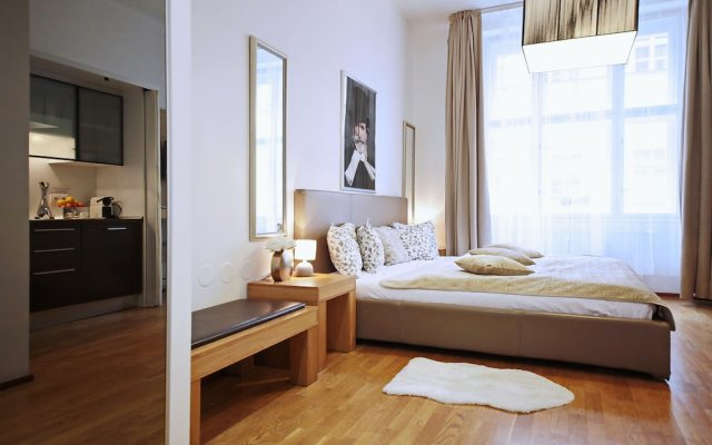 MyHouse Apartments