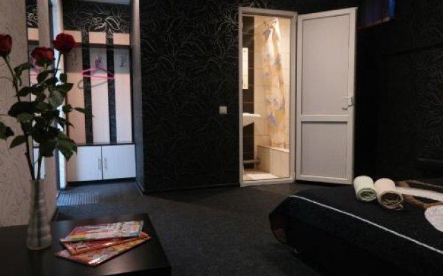 Гостиница Guest House Revolyutsii 28 в Перми 4 отзыва об отеле, цены и фото номеров - забронировать гостиницу Guest House Revolyutsii 28 онлайн Пермь вид на фасад