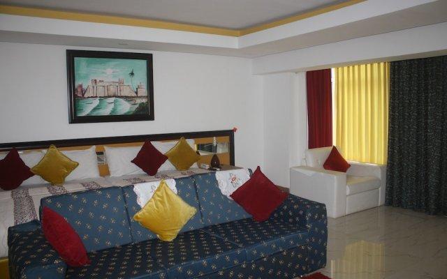Отель Adwoa Wangara комната для гостей