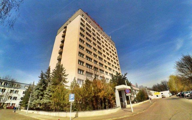 Отель Olimpia Польша, Познань - отзывы, цены и фото номеров - забронировать отель Olimpia онлайн вид на фасад