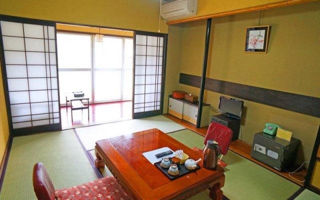 Отель Ryokan Hana to Nagomi No Yado Sankouen Минамиогуни комната для гостей