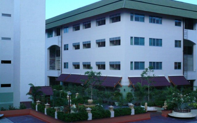 Отель Jomtien Morningstar Guesthouse вид на фасад