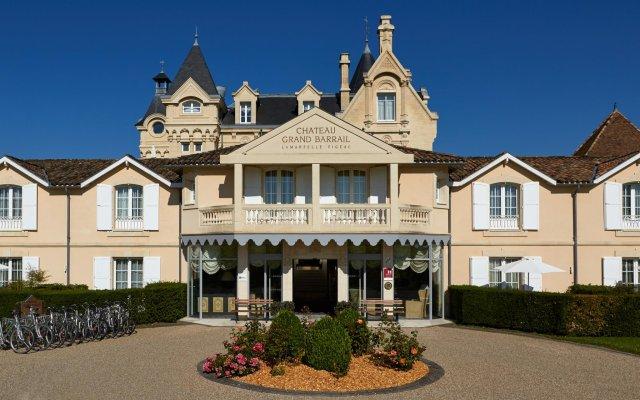 Отель Chateau Hotel and Spa Grand Barrail Франция, Сент-Эмильон - отзывы, цены и фото номеров - забронировать отель Chateau Hotel and Spa Grand Barrail онлайн вид на фасад