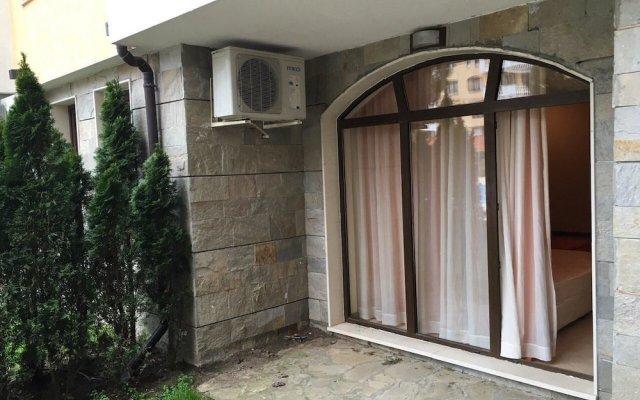 Апартаменты VM Apartments Royal Sun вид на фасад