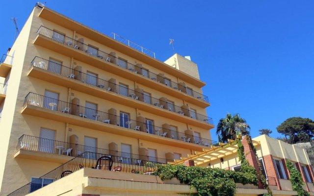 Отель Rocatel Испания, Канет-де-Мар - отзывы, цены и фото номеров - забронировать отель Rocatel онлайн вид на фасад