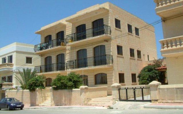 Отель Villa Atlantis Мальта, Мунксар - отзывы, цены и фото номеров - забронировать отель Villa Atlantis онлайн вид на фасад