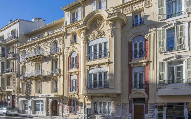 Hotel Paganini вид на фасад
