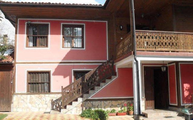 Family Hotel Bashtina Kashta вид на фасад
