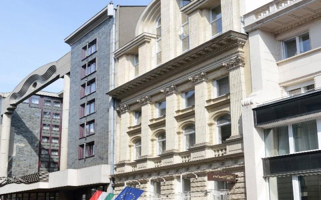 Promenade City Hotel Будапешт вид на фасад