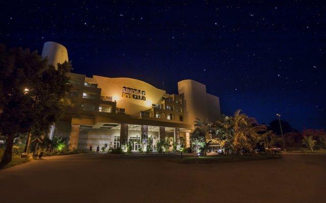 Отель Sindbad Club вид на фасад