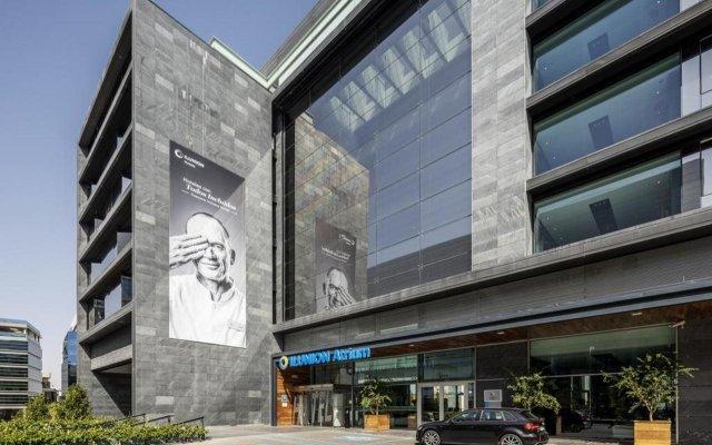 Отель ILUNION Atrium