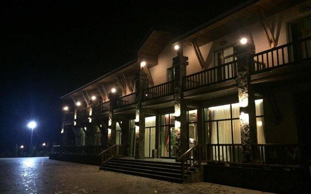 Amberd Hotel вид на фасад