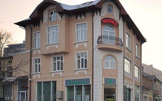 Отель Irish Hotel Болгария, Шумен - отзывы, цены и фото номеров - забронировать отель Irish Hotel онлайн вид на фасад
