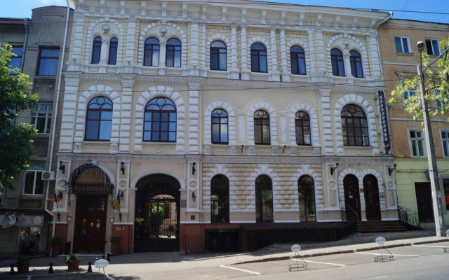 Гостиница Айвазовский вид на фасад