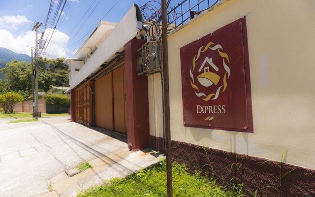 Отель Micro Hotel Rio de Piedras Express Гондурас, Сан-Педро-Сула - отзывы, цены и фото номеров - забронировать отель Micro Hotel Rio de Piedras Express онлайн вид на фасад