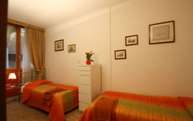 Отель Appartamenti Draghillo a Venezia Италия, Венеция - отзывы, цены и фото номеров - забронировать отель Appartamenti Draghillo a Venezia онлайн комната для гостей