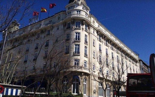 Hotel Ritz Мадрид вид на фасад