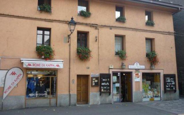 Отель B&B Augustus Италия, Аоста - отзывы, цены и фото номеров - забронировать отель B&B Augustus онлайн вид на фасад