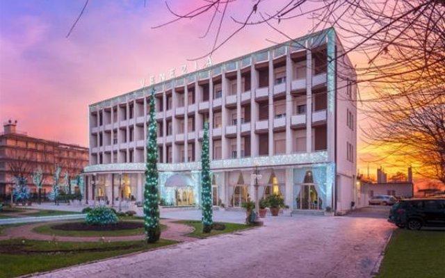 Отель Venezia Terme Италия, Абано-Терме - 6 отзывов об отеле, цены и фото номеров - забронировать отель Venezia Terme онлайн вид на фасад