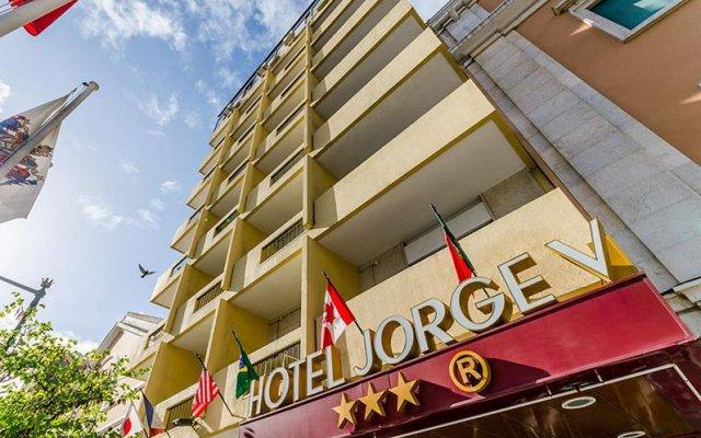 Hotel Jorge V вид на фасад