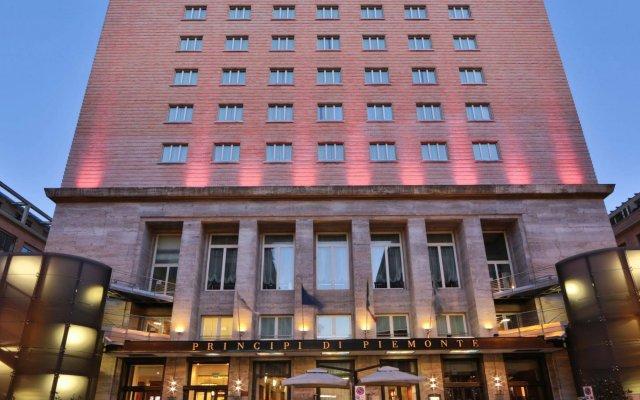 Отель Principi di Piemonte - UNA Esperienze Италия, Турин - отзывы, цены и фото номеров - забронировать отель Principi di Piemonte - UNA Esperienze онлайн вид на фасад