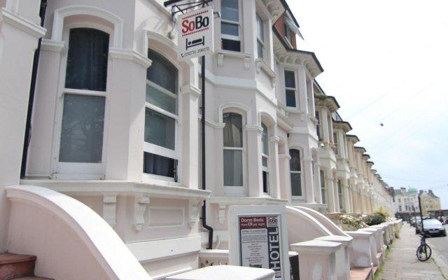 Brighton Youth Hostel вид на фасад