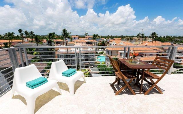 Отель Ducassi Suites Rooftop Pool Beach Club & Spa вид на фасад