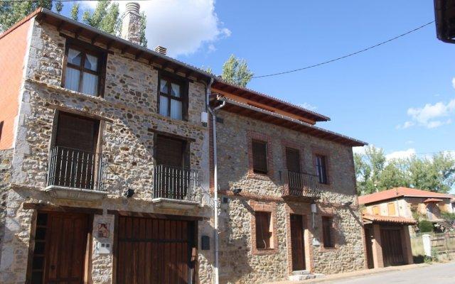 Отель Casa Rural La Oca II вид на фасад