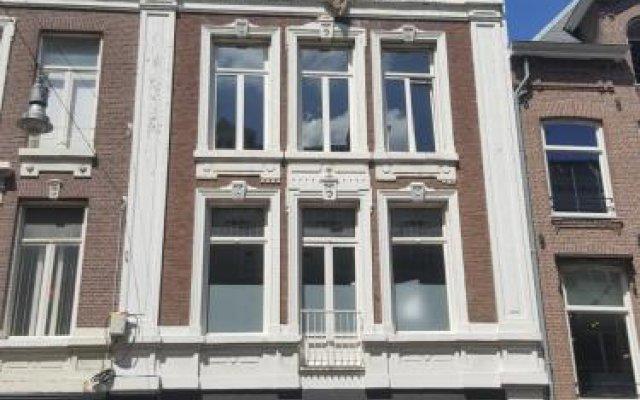 Отель Museum District Guest Suite Amsterdam Center вид на фасад