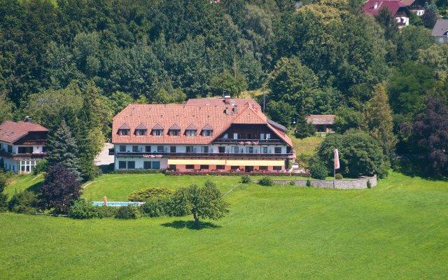 Отель Schöne Aussicht Австрия, Зальцбург - 1 отзыв об отеле, цены и фото номеров - забронировать отель Schöne Aussicht онлайн вид на фасад