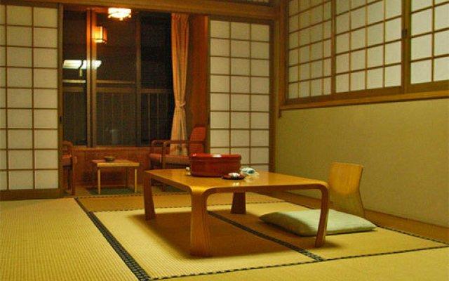 Отель Ebisuya (Hijiori Onsen) Синдзё
