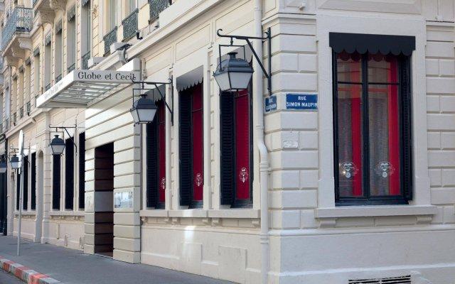Отель Globe et Cecil Hôtel вид на фасад