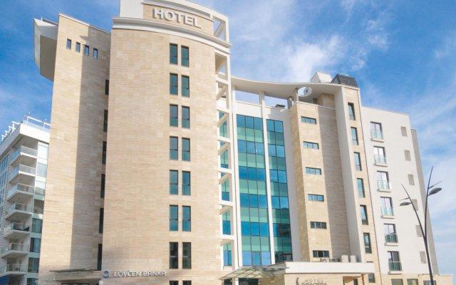 Отель Bracera вид на фасад