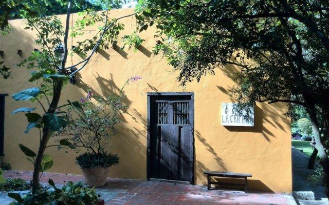 Отель Hacienda Misne вид на фасад