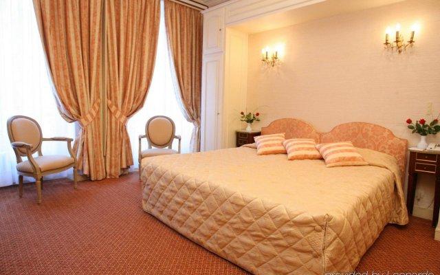 Hotel Saint Petersbourg Opera Париж комната для гостей