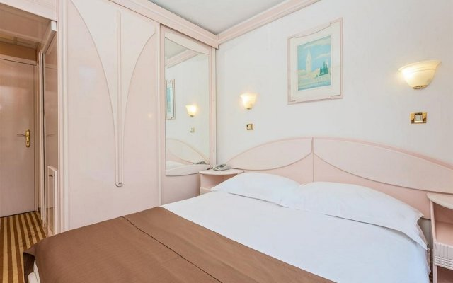 Hotel Zorna Plava Laguna комната для гостей