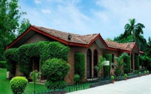 Отель Ashok Country Resort вид на фасад