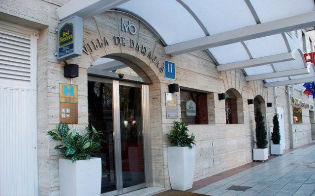 Hotel Villa De Barajas вид на фасад