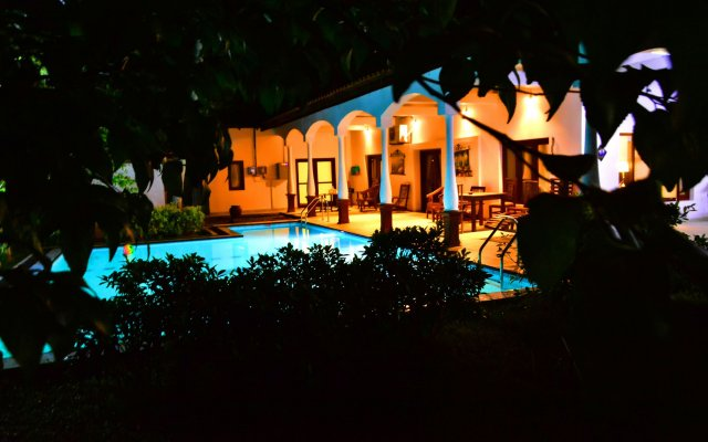Отель Lucas Memorial Шри-Ланка, Косгода - отзывы, цены и фото номеров - забронировать отель Lucas Memorial онлайн вид на фасад