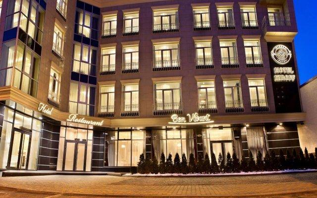 Гостиница Кирофф вид на фасад