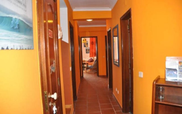 Peniche Beach House - Hostel вид на фасад