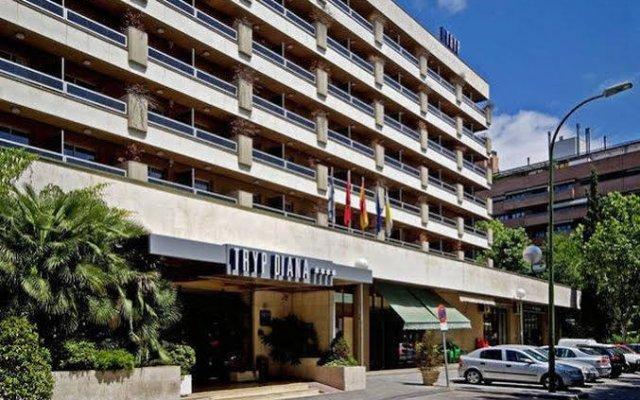Отель Senator Barajas вид на фасад