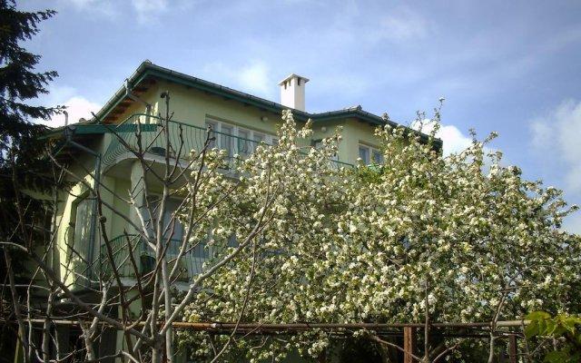 Отель Guest House Slona Болгария, Генерал-Кантраджиево - отзывы, цены и фото номеров - забронировать отель Guest House Slona онлайн вид на фасад