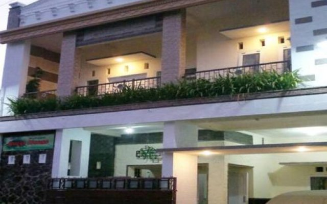 Griya Nelwan Guest House In Malang Indonesia From 25 Photos Reviews Zenhotels Com