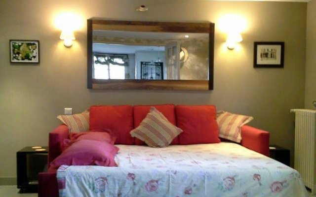 Отель Bed & Breakfast La Campagne a Paris комната для гостей