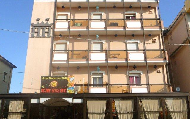 Отель Riccione Beach Hotel Италия, Риччоне - 5 отзывов об отеле, цены и фото номеров - забронировать отель Riccione Beach Hotel онлайн вид на фасад