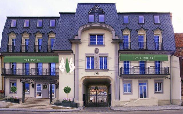 Kavalier Boutique Hotel вид на фасад