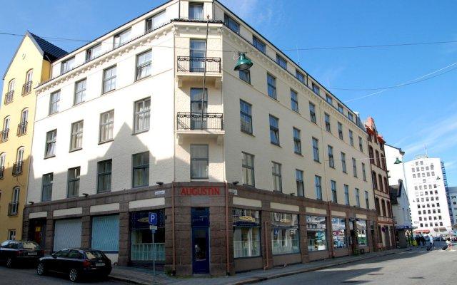 Отель Augustin Hotel Норвегия, Берген - 4 отзыва об отеле, цены и фото номеров - забронировать отель Augustin Hotel онлайн вид на фасад
