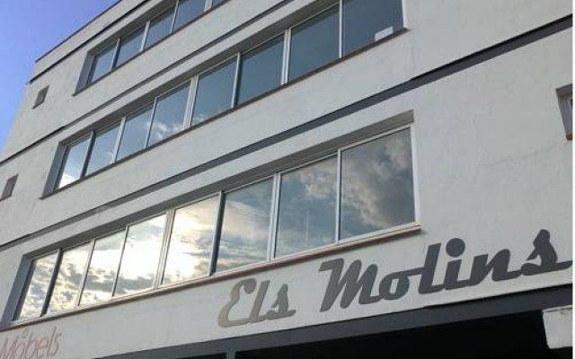 Отель Apartaments Estudis Els Molins Испания, Курорт Росес - отзывы, цены и фото номеров - забронировать отель Apartaments Estudis Els Molins онлайн вид на фасад